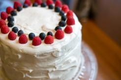 classic french vanilla cake with mascarpone frosting